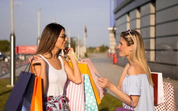 Названы причины падения в РФ продаж одежды и обуви впервые с 2015 года